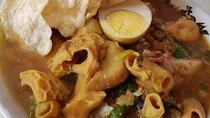Siang Ini Enaknya Makan Rujak Soto Khas Banyuwangi