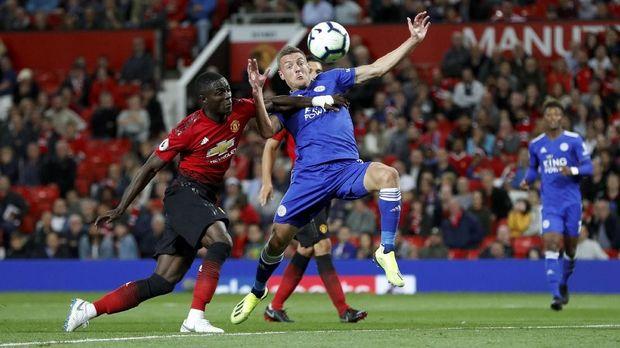 Manchester United menang atas Leicester City di laga pertama Liga Inggris.
