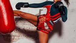 Karena tuntutan pekerjaan, model Mia Kang malah mengidap gangguan makan anoreksia. Tak ingin semakin terpuruk dan sakit, ia beralih dengan olahraga muay thai.