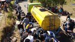 Senangnya Warga Korban Gempa Lombok Dapat Bantuan Air Bersih