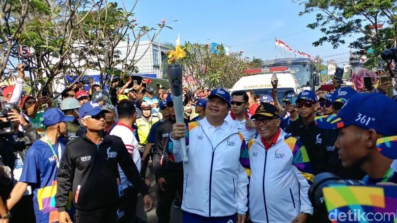 Airlangga Hartarto Jadi Pembawa Obor Asian Games Pertama di Bandung