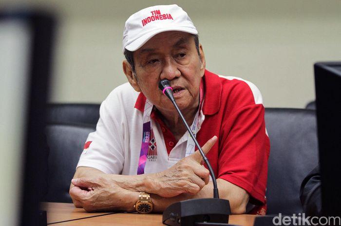 Atlet bridge itu kelahiran Februari 1939 alias sudah berusia 79 tahun, yang menjadikannya sebagai atlet tertua di dalam kontingen Indonesia.