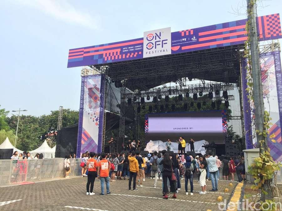 Melihat Lagi Keseruan Hari Pertama On Off Festival 2018