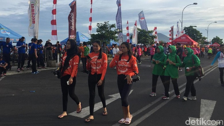 Suasana jelang event Pemecahan Rekor MURI selam wanita di Manado (Bonauli/detikTravel)