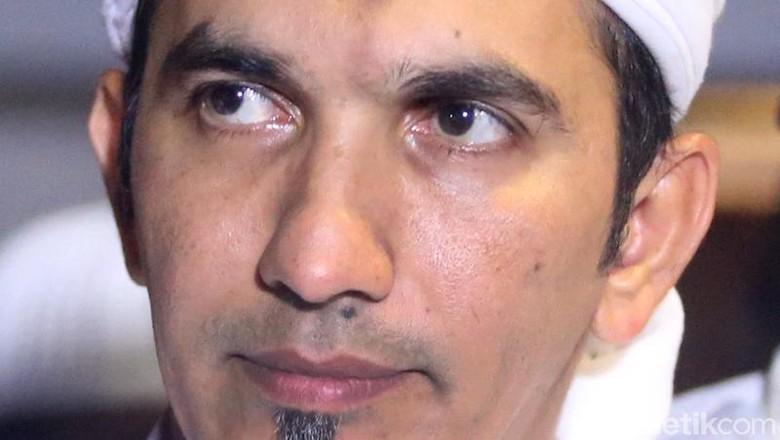 Ketum FPI Akan Diperiksa Polisi soal Dugaan Makar Pagi Ini