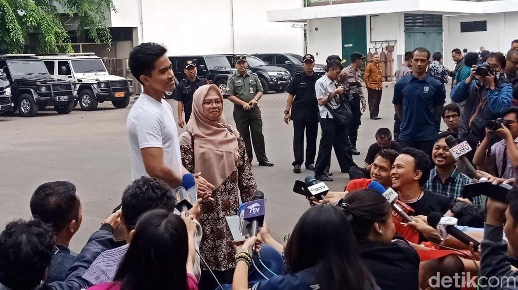 Soal Kemeja Jokowi, Kaesang: Bapak Sudah Gaul dan Millenial