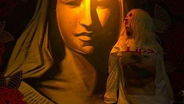 Swag! Gaya Christina Aguilera Foto Bareng Anak