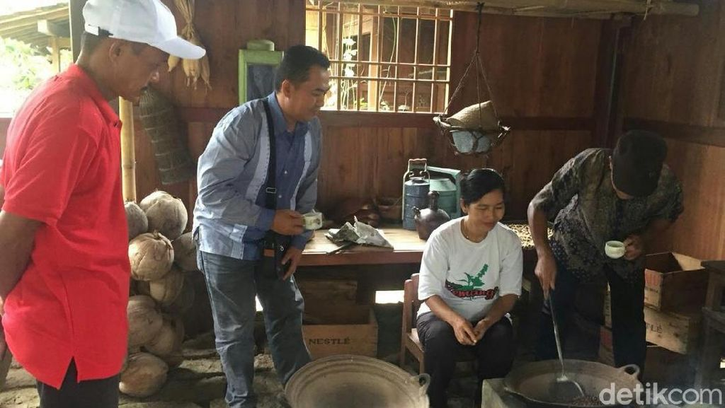 Petani Belitung Belajar Kilat Menanam dan Meracik Kopi Banyuwangi