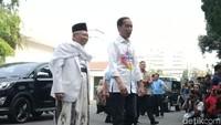 Naik Innova Bareng, Jokowi-Maruf Amin Tiba di RSPAD