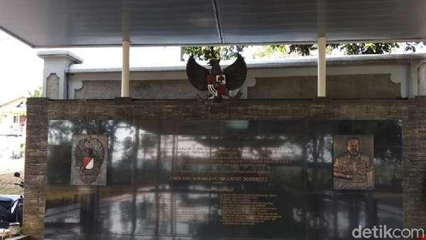 Melihat Makam Gatot Soebroto di Semarang yang Bersih dan Asri