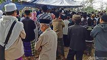 Ribuan Orang Antar Jenazah Pimpinan Ponpes Al-Hidayah Bandung