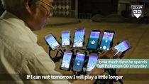 Kakek 70 Tahun Ini Main Pokemon Go Pakai 9 Smartphone