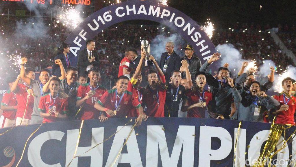 Air Mata Haru Menpora Saat Lihat Indonesia Juara Piala AFF U-16 2018