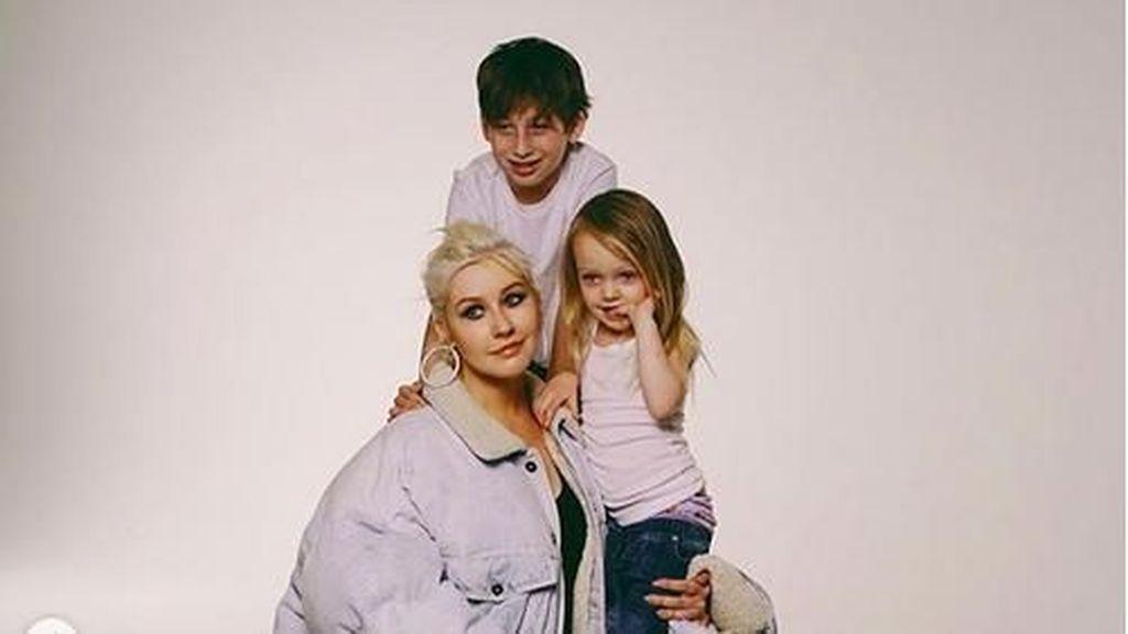 So Sweet, Christina Aguilera Bawa Putrinya ke Panggung