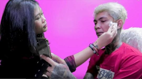 Cara Young Lex Bikin Wajahnya Babak Belur dan Ngaku Dipukuli Fans K-Pop