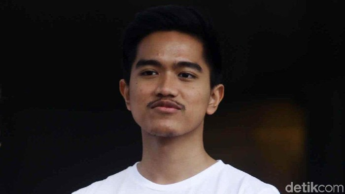 Kaesang Pangarep turut hadir di RSPAD, Jakarta, Minggu (12/8/2018). Putra bungsu Jokowi itu mengenakan t-shirt yang semakin memperlihatkan tubuh kekarnya.