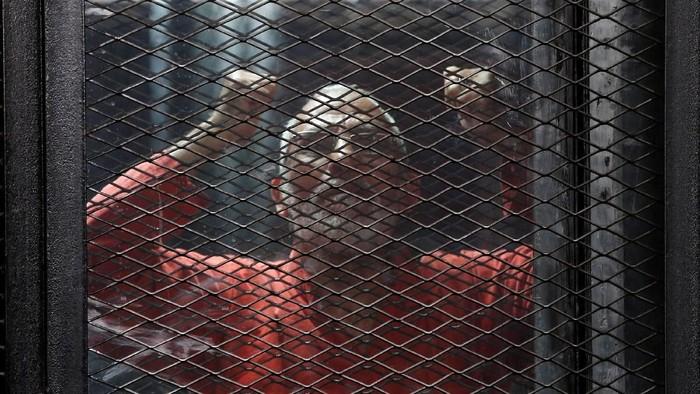 Mohamed Badie di dalam tahanan Mesir (REUTERS/File Photo_