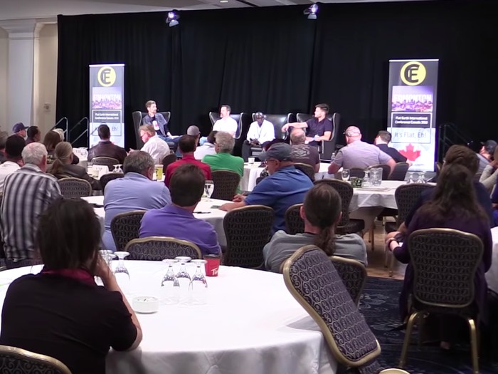 Suasana konferensi Bumi datar. Foto: Edmonton Journal