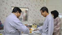 Foto: Kekompakan Prabowo-Sandiaga Saat Tes Kesehatan di RSPAD