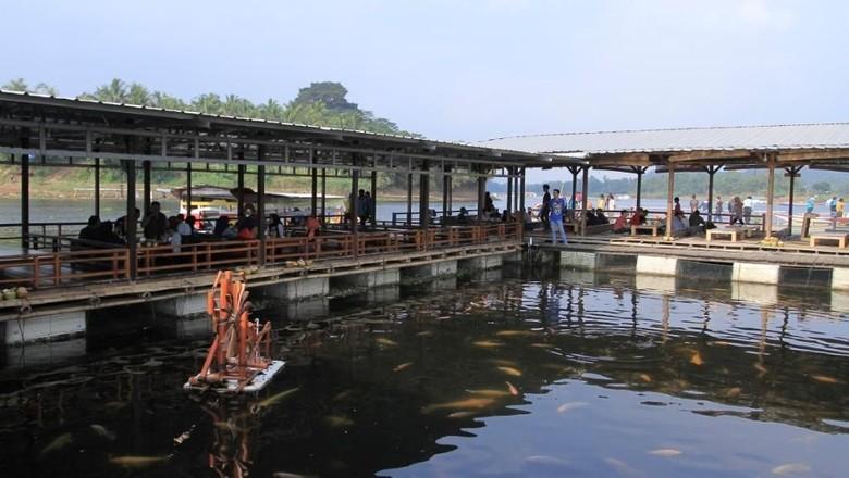 Foto: Floating Resto Napak Sancang di Bandung (Wisma Putra/detikTravel)