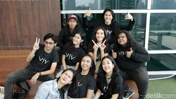 Kocak! Pemain Film Wiro Sableng 212 Jawab Pertanyaan Netizen