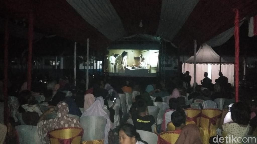 Jelang HUT ke-73 RI, Film Soekarno Diputar di Rammang-rammang