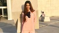 Foto: Saat sedang di Museum Nasional Bahrain, gaya Sara Khan juga tidak berlebihan, bahkan cenderung elegan. (Instagram/@ssasrakhan)
