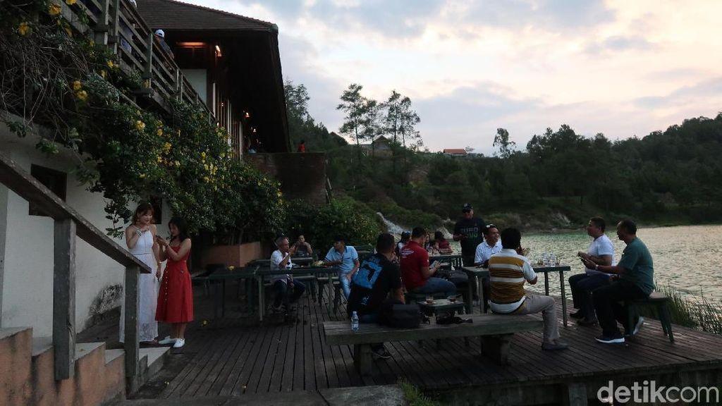 Foto: Danau Linow yang Instagrammable di Tomohon