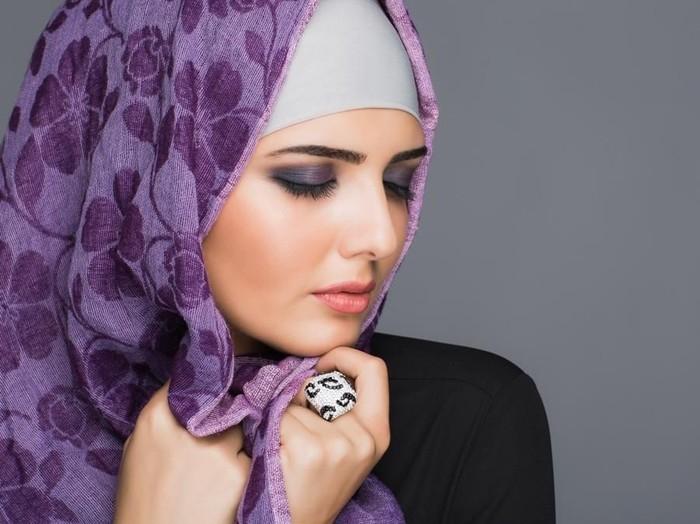 Ilustrasi artis Mesi lepas hijab. Foto: Thinkstock