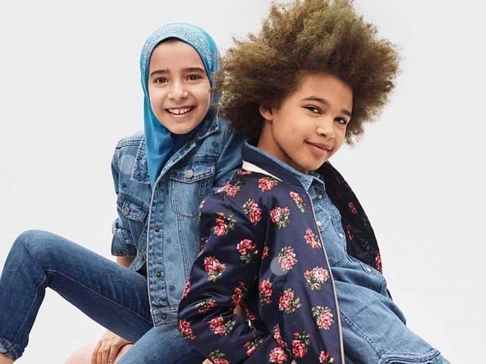 GAP yang juga merilis produk anak yang disebut GAP Kids menampilkan sosok model berhijab di campaign terbarunya. Foto: Dok. GAP