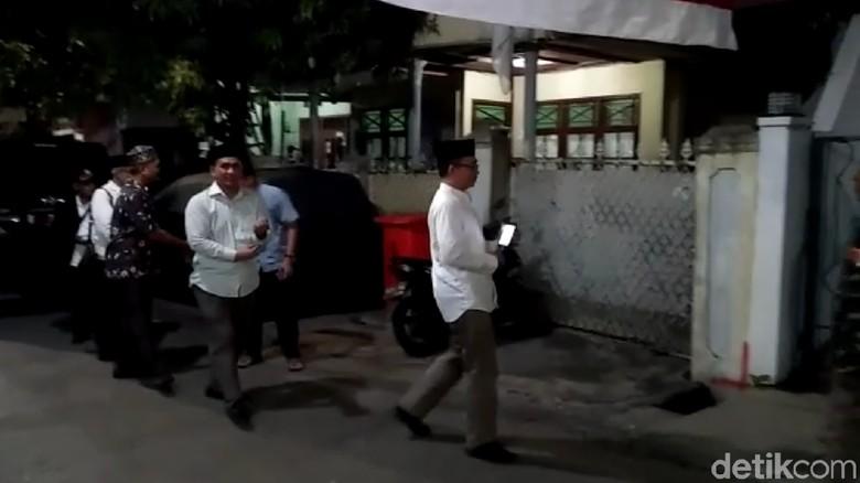 Gus Yasin Datangi Rumah Ma'ruf Amin
