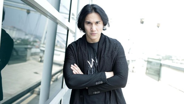 Tantangan Vino G Bastian Dalami Bela Diri untuk Wiro Sableng