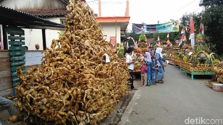 Tradisi Merti Desa, di Desa Gunung Condong, Kecamatan Bruno, Purworejo (Rinto Heksantoro/detikTravel)