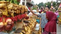 Foto: Karnaval Ribuan Ayam Panggang di Purworejo
