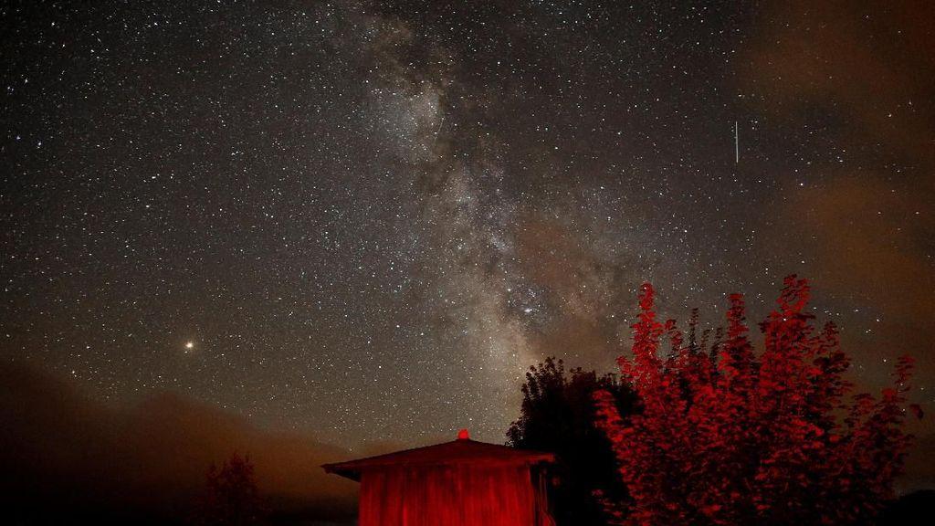 Potret Indahnya Milky Way di Langit Spanyol