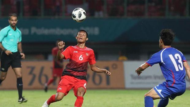Evan Dimas Darmono menjadi motor permainan Timnas Indonesia U-23 ketika menghadapi Taiwan, Minggu (12/8).