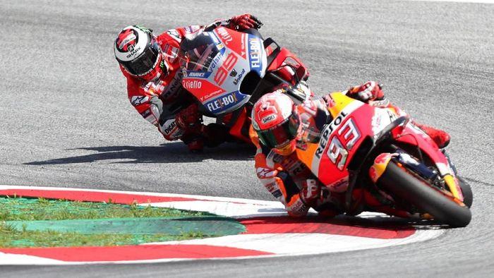 Marc Marquez dan Jorge Lorenzo akan jadi rekan satu tim di MotoGP 2019 (Lisi Niesner/Reuters)