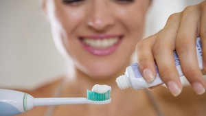 Menebak Kepribadian Seseorang dari Caranya Menekan Pasta Gigi