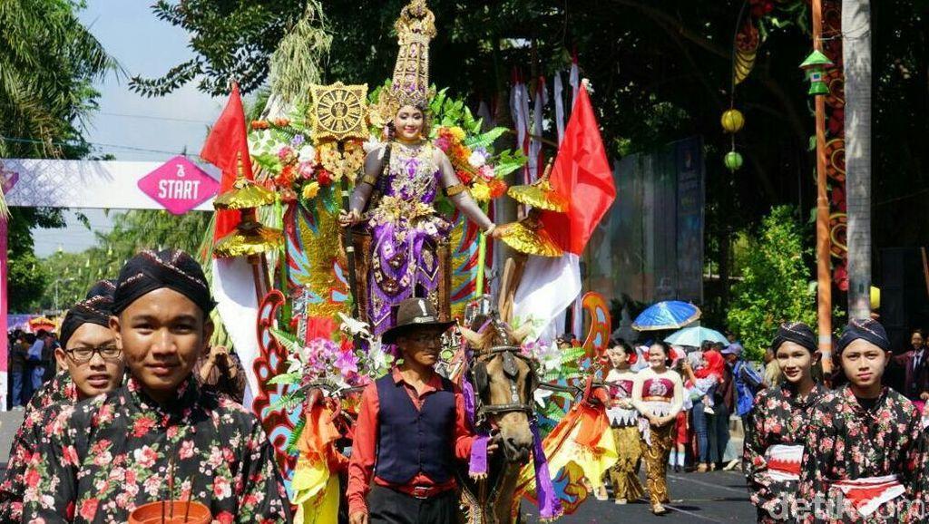 Warna-warni Budaya Nusantara di Karnaval Kebangsaan Bikin Takjub