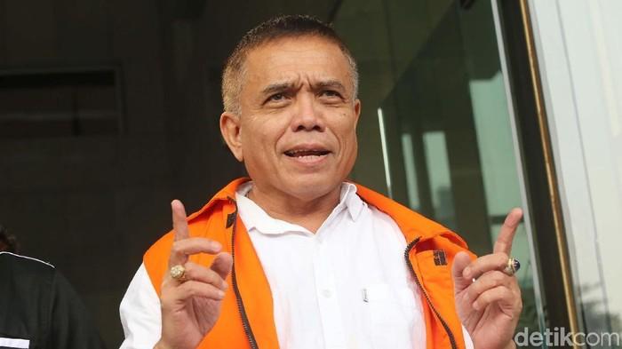Gubernur Aceh Irwandi Yusuf menjalani pemeriksaan lanjutan di KPK. Irwandi diperiksa terkait dugaan suap pengalokasian Dana Otonomi Khusus Aceh (DOKA) tahun 2018.