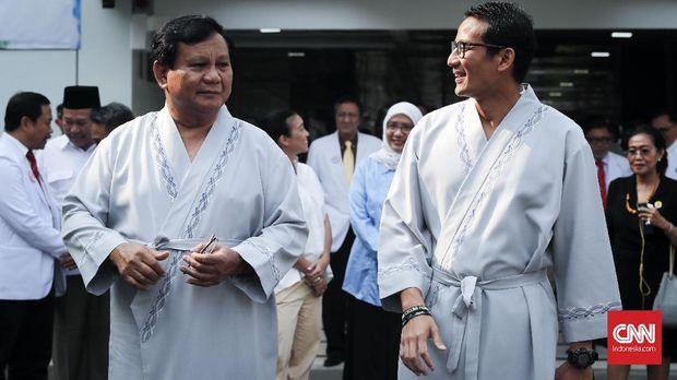 Bakal capres Prabowo Subianto dan bakal cawapres Sandiaga Uno, di RSPAD, Jakarta, Senin, 13 Agustus.