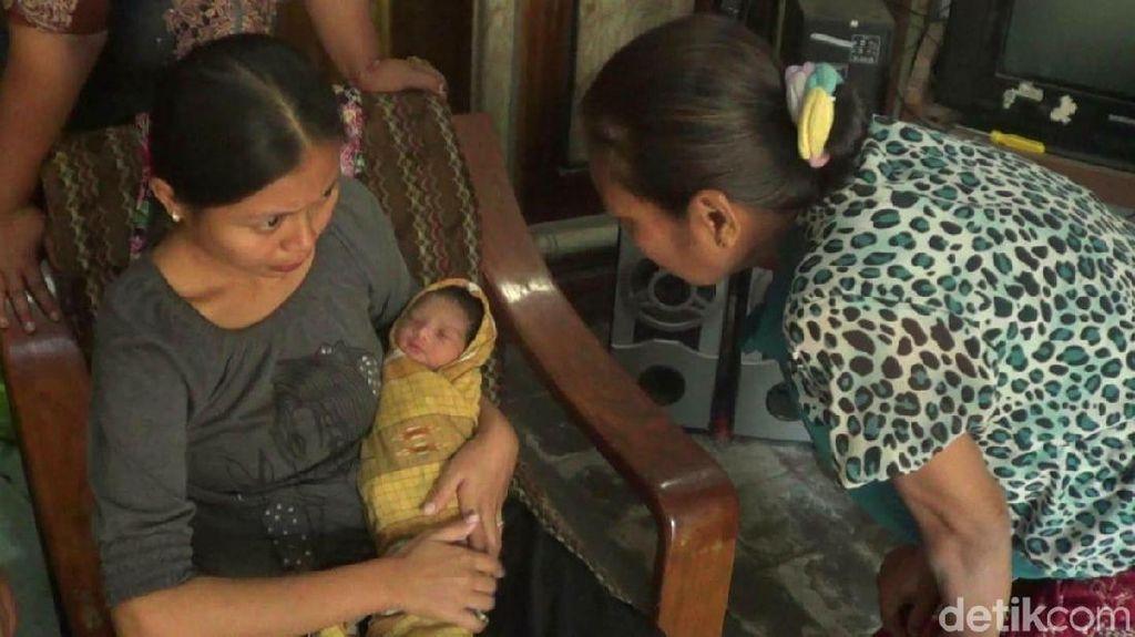 Bayi Terbungkus Sarung Dibuang di Perkampungan Nelayan