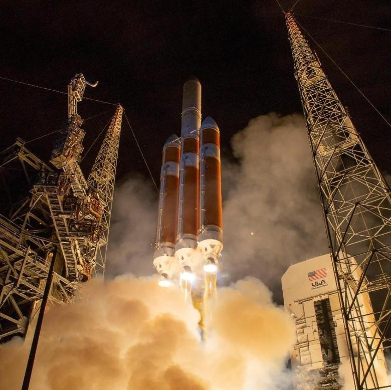 NASA Luncurkan Kendaraan Luar Angkasa untuk 'Menyentuh' Matahari