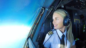 10 Pesona Maria Fagerstrom, Pilot Cantik Asal Swedia yang Hobi Yoga