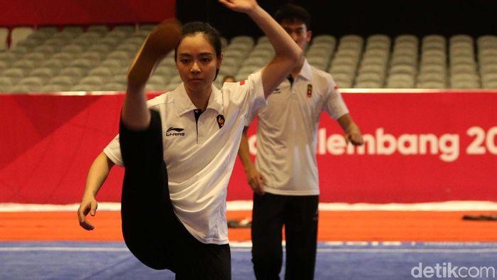 Pewushu Lindswell Kwok saat berlatih di JIEXPO Kemayoran, Selasa (14/8/2018).  (Agung Pambudhy/detikSport)