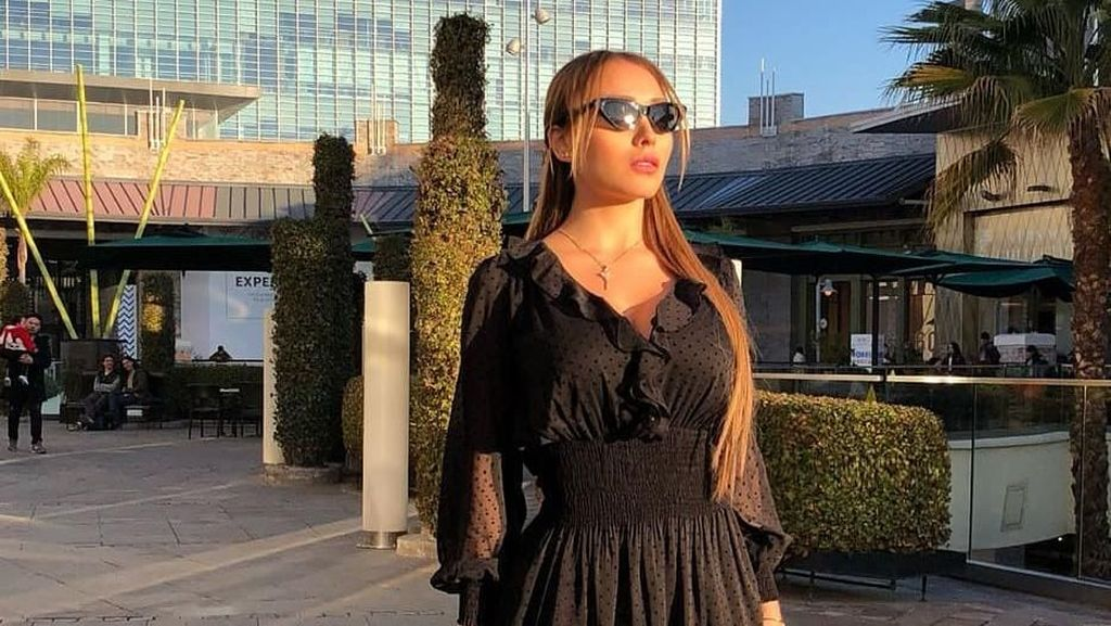 Potret Model Playboy Jadi Sensasi karena Balas Netizen yang Sebutnya PSK