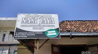 Sedep Murah! Mangut Lele Bikinan Mbah Endro di Warnas Jaya