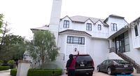 Julid & Kagum, Celoteh untuk Rumah Mewah Nia Ramadhani di Beverly Hills