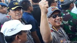 Polisi Kawal Distribusi Bantuan Perbaikan Rumah Korban Gempa Lombok