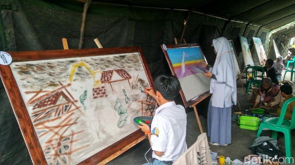 Sambut HUT RI, Pelajar di Ciamis Lukis Kemanunggalan TNI-Rakyat